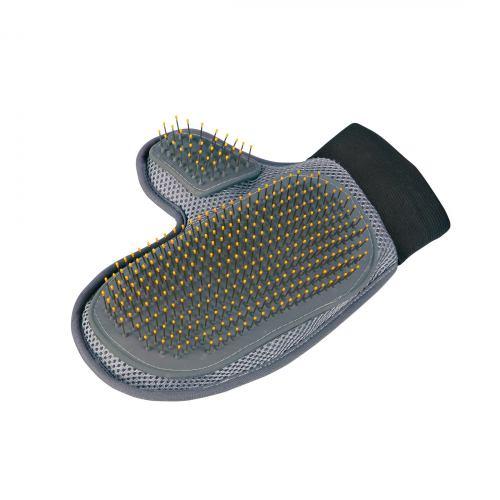 Рукавица-щетка Trixie для вычесывания 18 см / 24 см